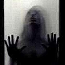 ドアにぶつかるモノ 俺怖 [洒落怖・怖い話 まとめ]